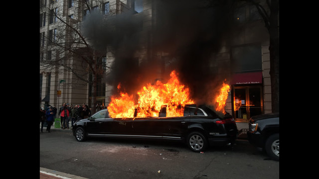 limo-on-fire
